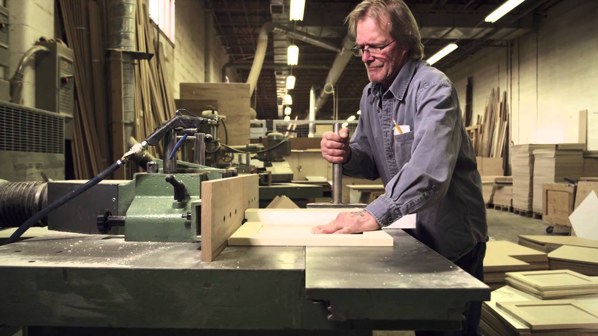 Cabinet maker apply for this job in redding ca for Cabinet makers